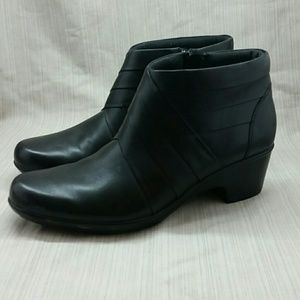 Clarks Sidezip Ankle Boots 11 Narrow